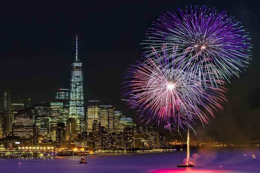 new-york-city-summer-fireworks-susan-candelario