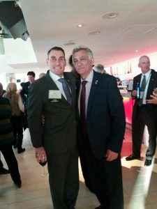 O Ιωάννης Τοζακίδης με τον γνωστό στην Ελλάδα εισηγητή Εντ Ντοϊτσλάντερ